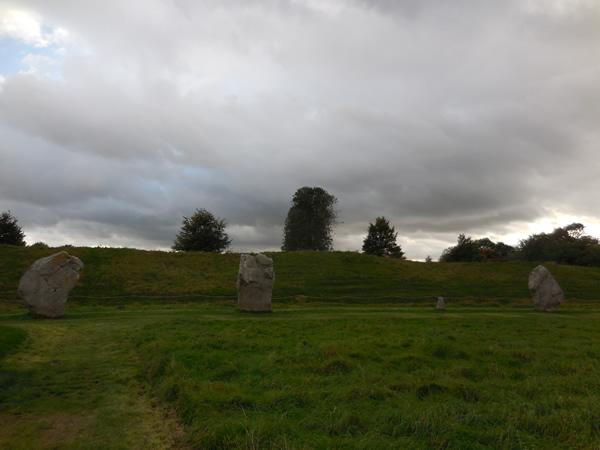 エーブベリー巨石2