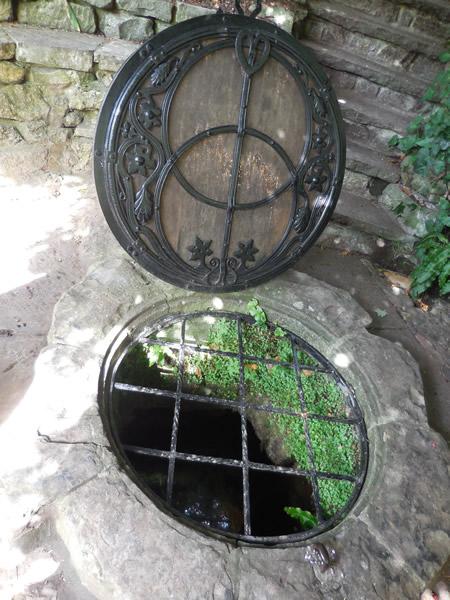 チャリングクロス井戸