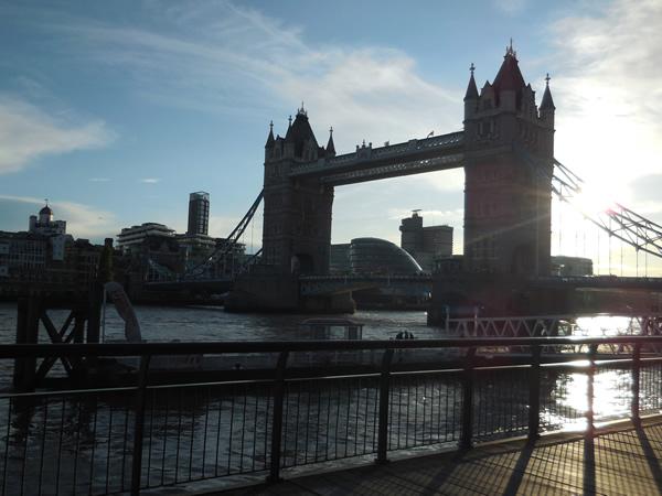 ロンドン橋 龍雲